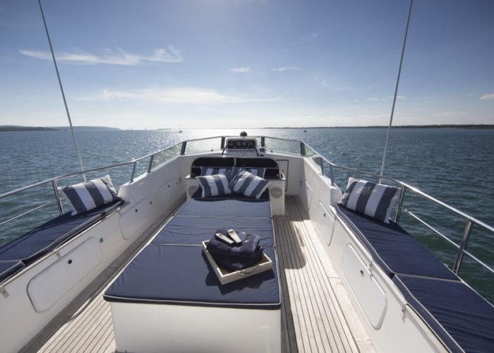 Classic Motor Yacht Rum Jungle Flybridge