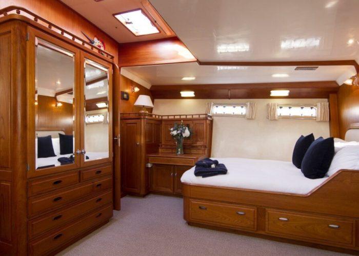 Classic Motor Yacht Rum Jungle Master Cabin