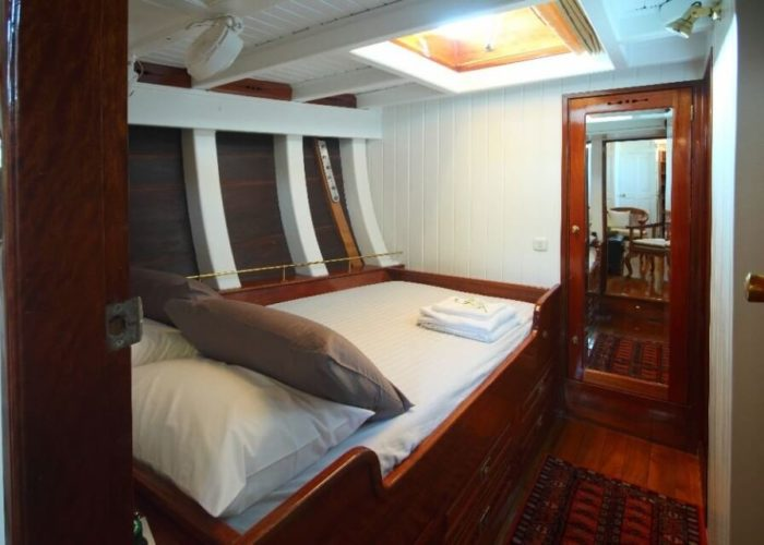 Classic Sailing Yacht Aventure Double Cabin