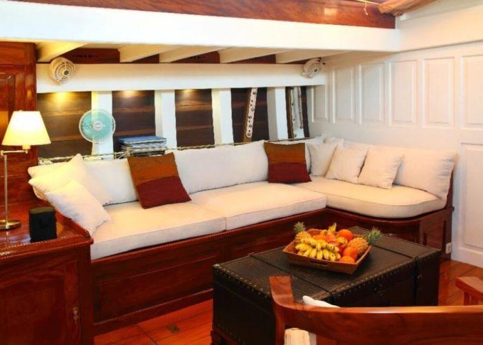 Classic Sailing Yacht Aventure Saloon