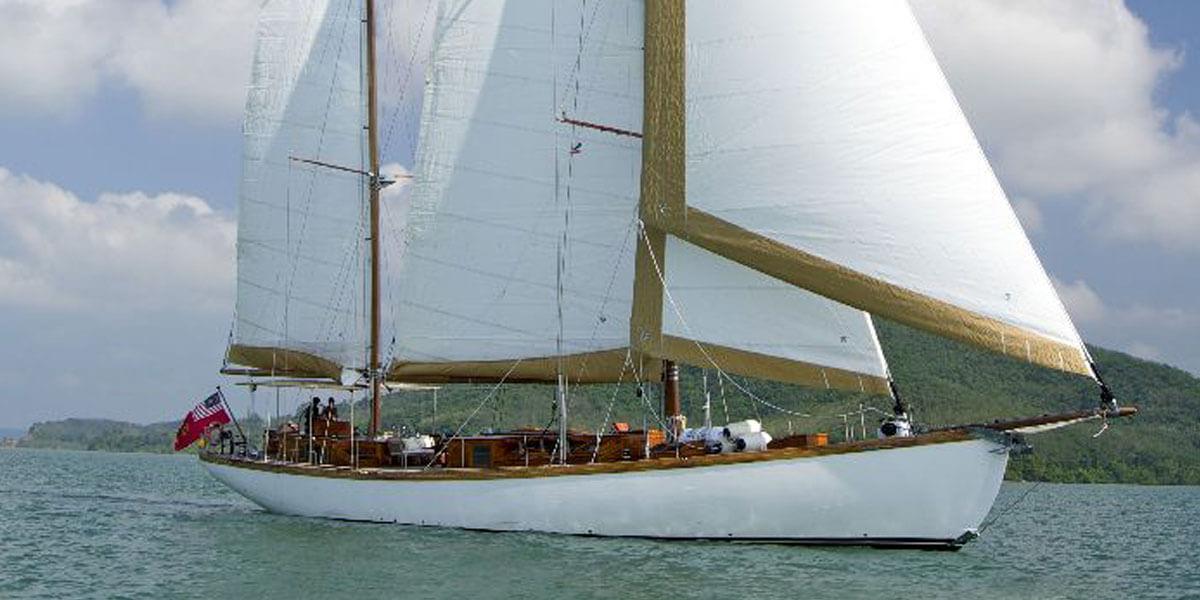 Classic Sailing Yacht Aventure