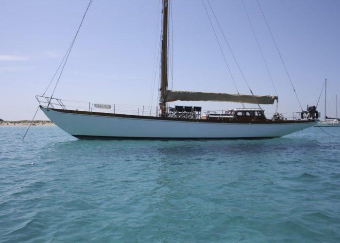 Classic sailing yacht Yanira at anchor