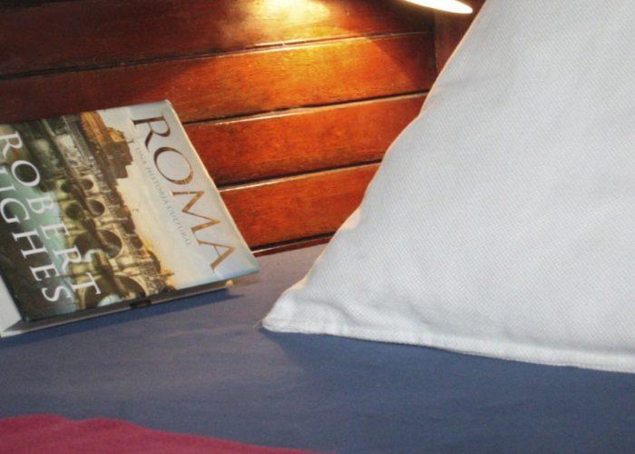 Classic sailing yacht Yanira berth