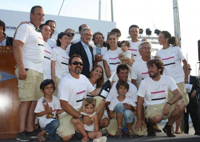 Classic sailing yacht Yanira crew