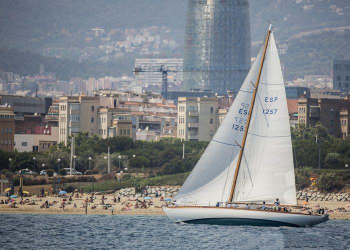 Classic sailing yacht Yanira off Barcelona