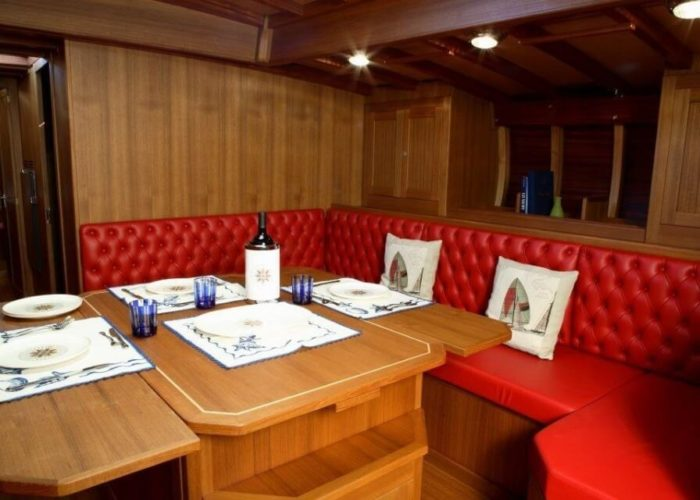 Classic Sailing Yacht Clan Dining