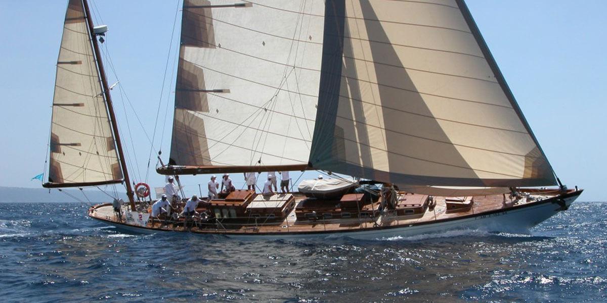 Classic Sailing Yacht Ivanhoe Under Sail