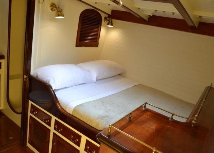 Classic Sailing Yacht Whitefin Cabin