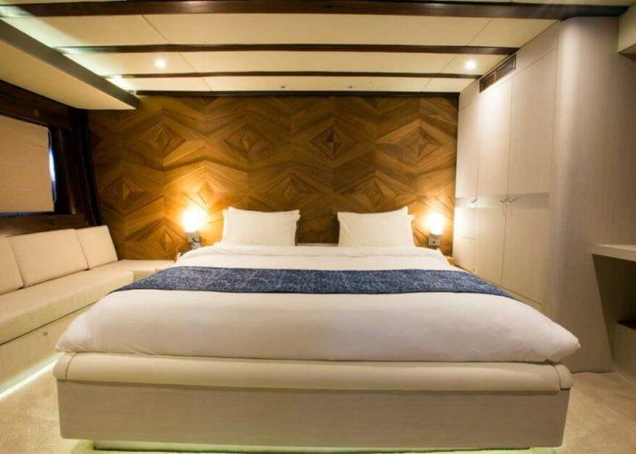 Classic Sailing Yacht Lamima Double Cabin