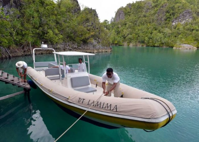 Classic Sailing Yacht Lamima Tender