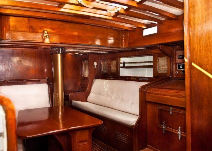 Classic Sailing Yacht Kahurangi Dining
