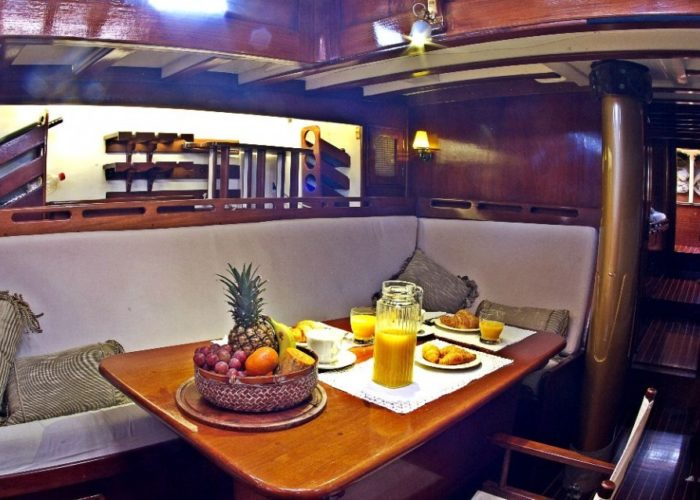 Classic Sailing Yacht Kahurangi Saloon
