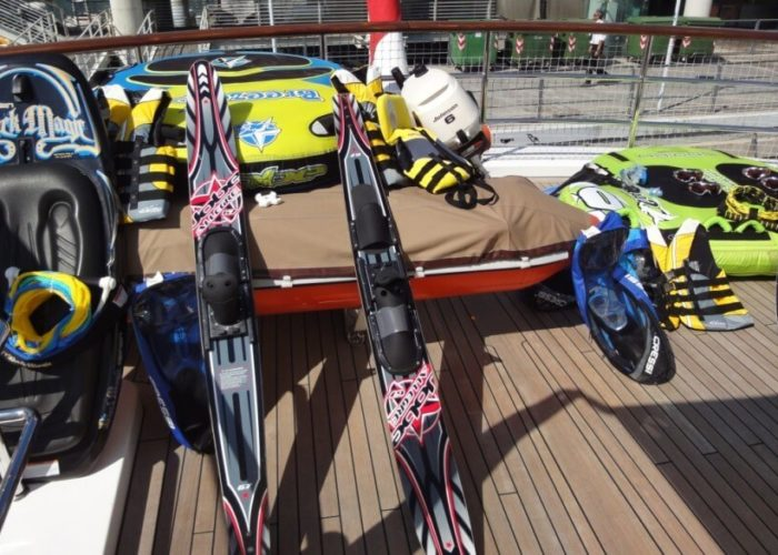 Classic Motor Yacht Cornelia Water Toys