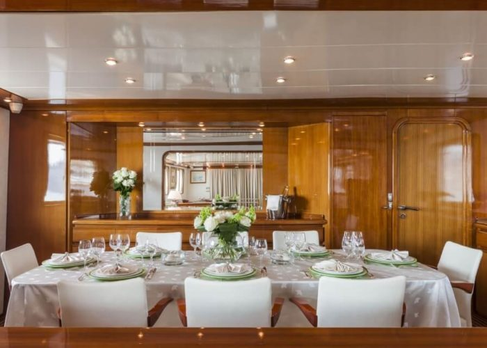 Classic Motor Yacht South Paw C Inside Dining