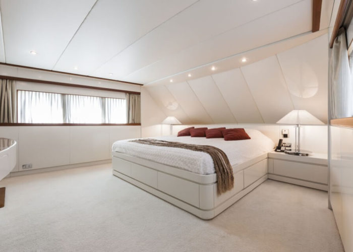 Classic Motor Yacht South Paw C Master Cabin