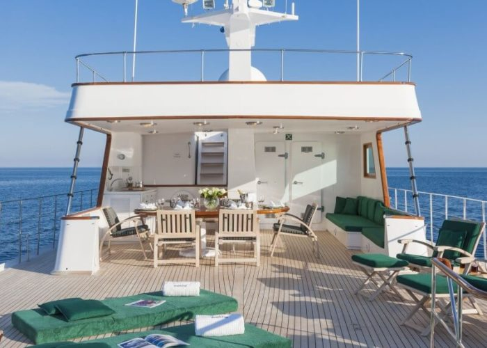 Classic Motor Yacht South Paw C Sundeck
