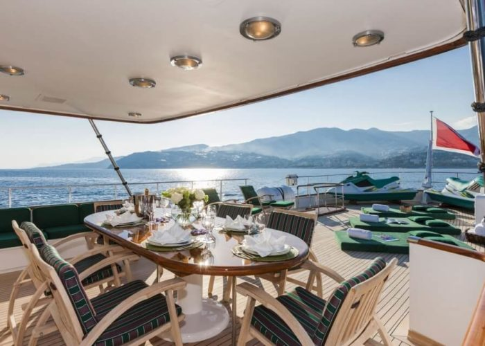 Classic Motor Yacht South Paw C Sundeck Dining