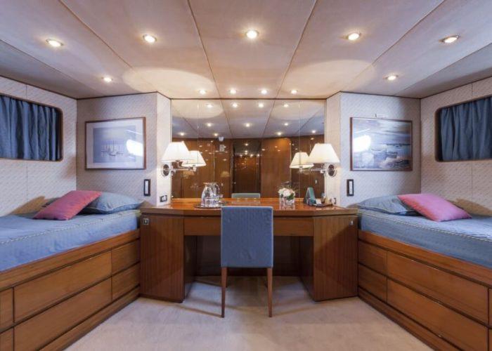 Classic Motor Yacht South Paw C Twin Cabin