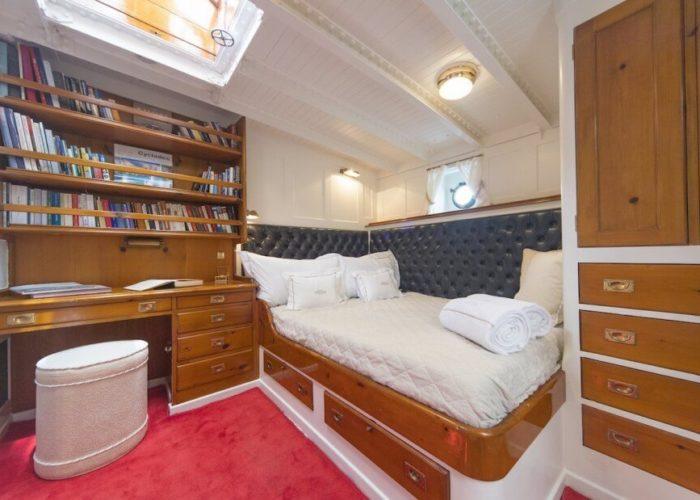 Classic Sailing Yacht Puritan Cabin