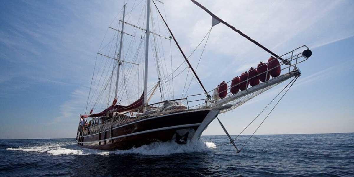 Classic Sailing Yacht Nostra Vita