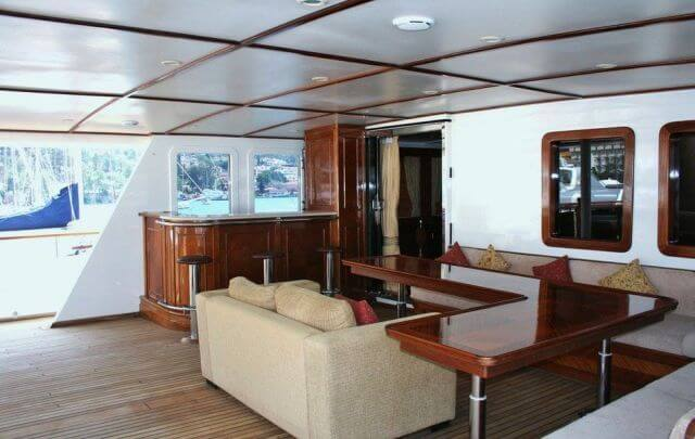 Classic Motor Yacht Donna Del Mare Bar