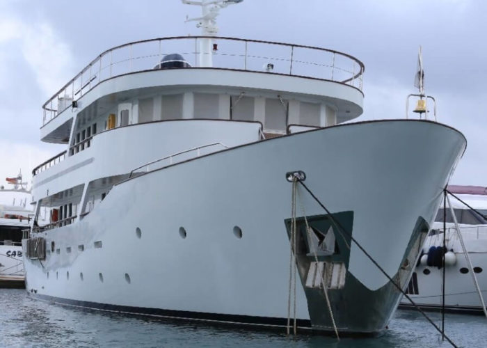 Classic Motor Yacht Donna Del Mare Bow View