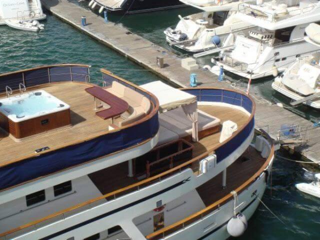 Classic Motor Yacht Donna Del Mare Aft Decks