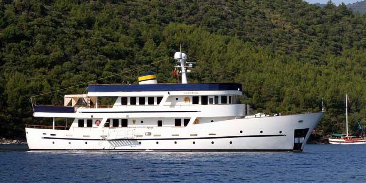 Classic Motor Yacht Donna Del Mare