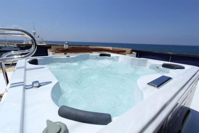 Classic Motor Yacht Donna Del Mare Pool