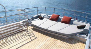 Classic Motor Yacht Tempest WS Sun Seating