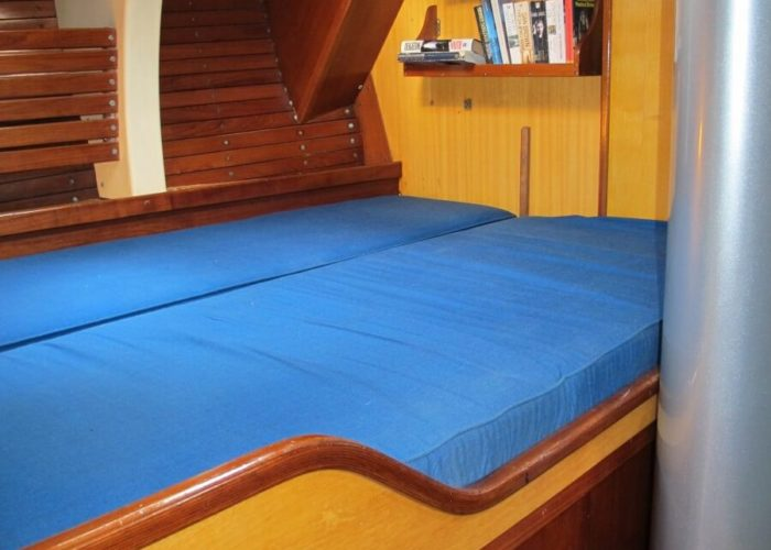 Classic Sailing Yacht Kira Cabin