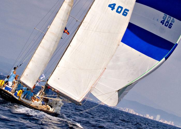 Classic Sailing Yacht Kira Downwind