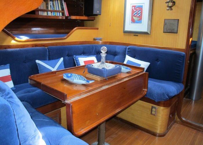 Classic Sailing Yacht Kira Saloon