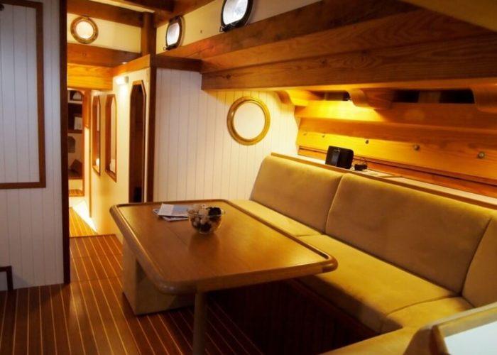 Classic Sailing Yacht Circe Saloon