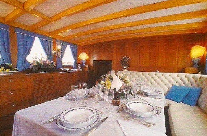 Classic Sailing Yacht Black Swan Main Saloon
