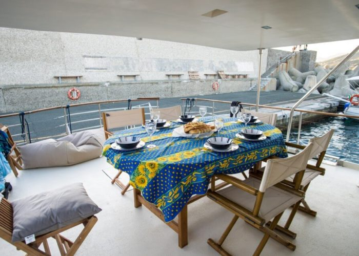 Classic Motor Yacht Bayview Aft Deck