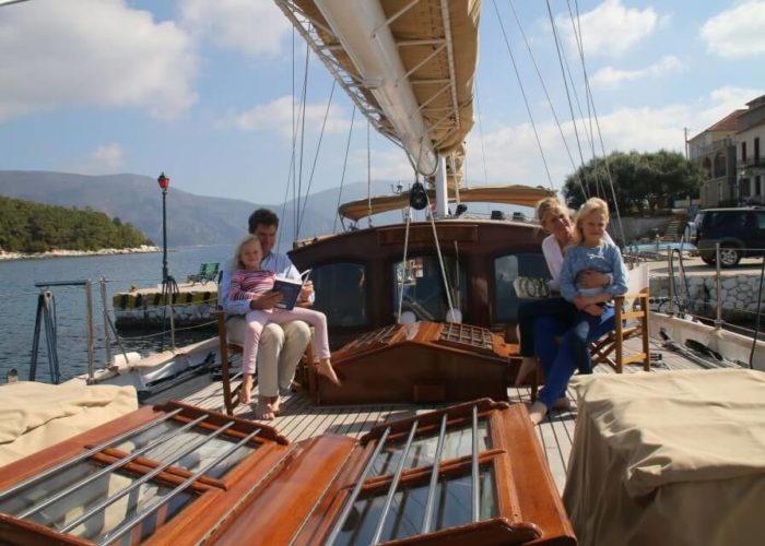 Classic Sailing Yacht Windweaver of Pennington Foredeck Looking Aft