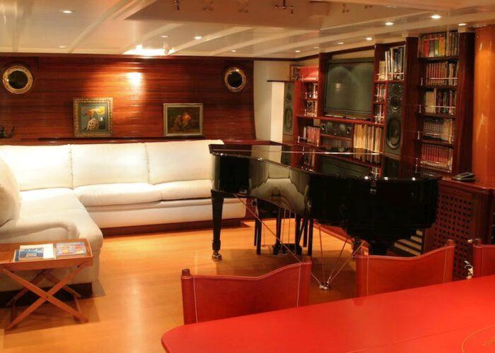 SHENANDOAH OF SARK PIANO LOUNGE