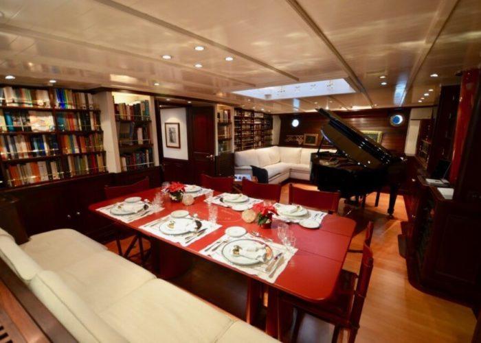Classic Sailing Yacht Shenandoah Of Sark Internal Dining