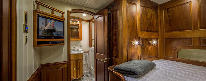 Classic Sailing Yacht Columbia Double Cabin