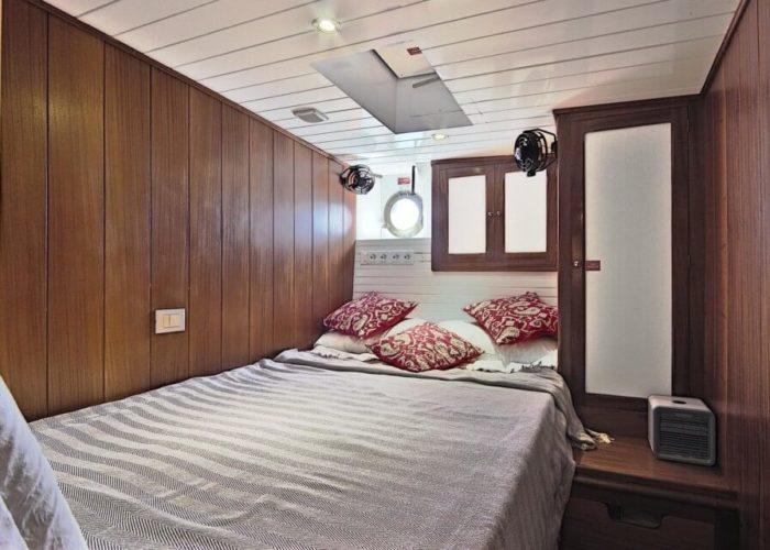 Classic Motor Sailor Yacht Truelove Cabin