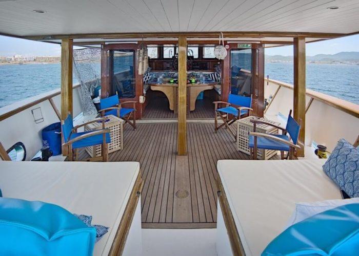 Classic Motor Sailor Yacht Truelove Deck