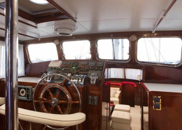 Classic Sailing Yacht Lamadine Helm