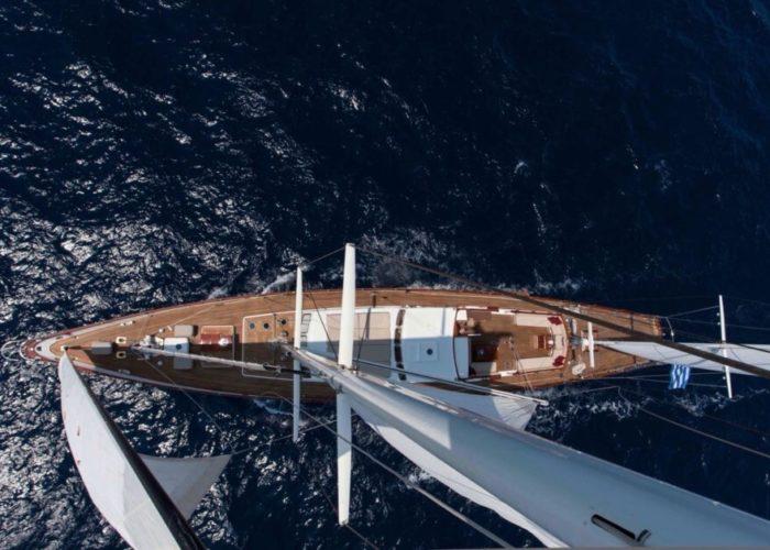 Classic Sailing Yacht Lamadine Mast Top