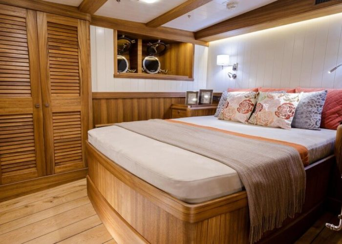 Classic Sailing Yacht Malcolm Miller VIP Cabin