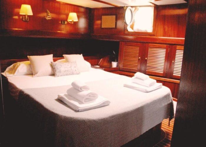 Classic Sailing Yacht Adara Cabin 03
