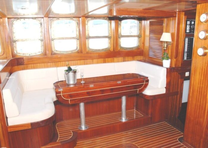 Classic Sailing Yacht Adara Saloon
