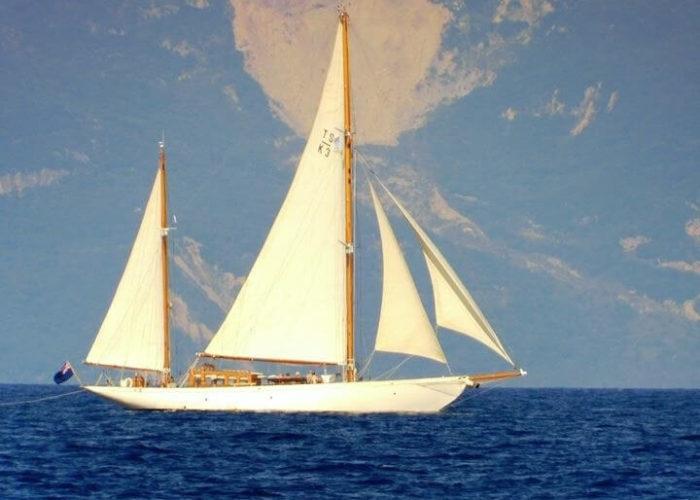Classic Sailing Yacht Halcyon Cruising
