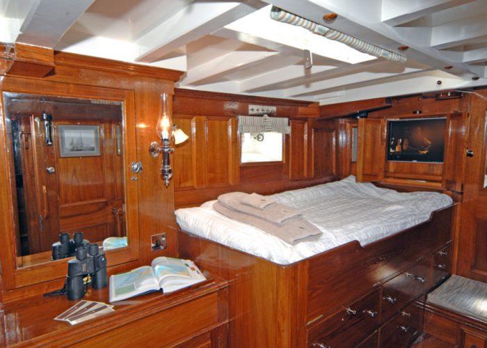 Classic Sailing Yacht Halcyon Cabin