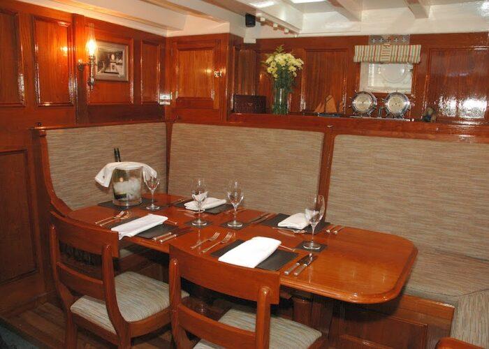 halcyon dining